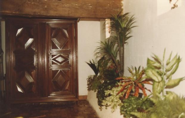 1984 entree armoire