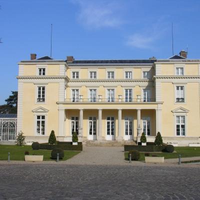 Louveciennes chateau de voisin
